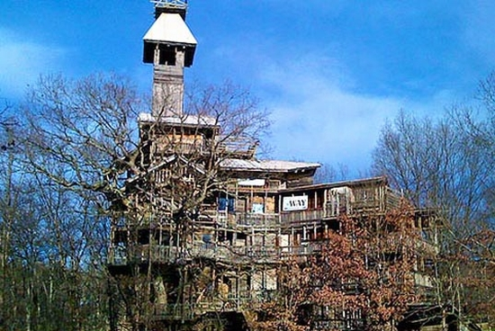 Biggest Treehouse In The World 28+ [ largest treehouse in tennessee ] | massive tree house in