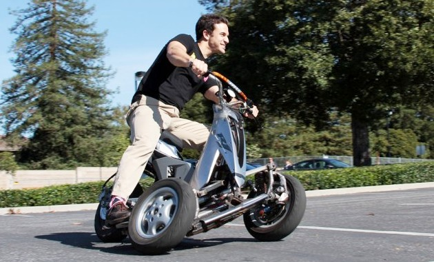 His Scooter Draws From A 60 V 20 Ah Lithium Iron Phosp Battery Pack With Its Help The Vehicle Can Register Range Of About 10 Miles 16 Km Per